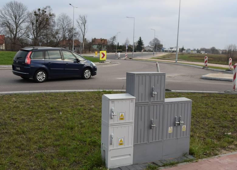 Rondo na skrzyżowaniu ulic Ostrowskiej z Przemysłową i Żołnierzy Armii Krajowej