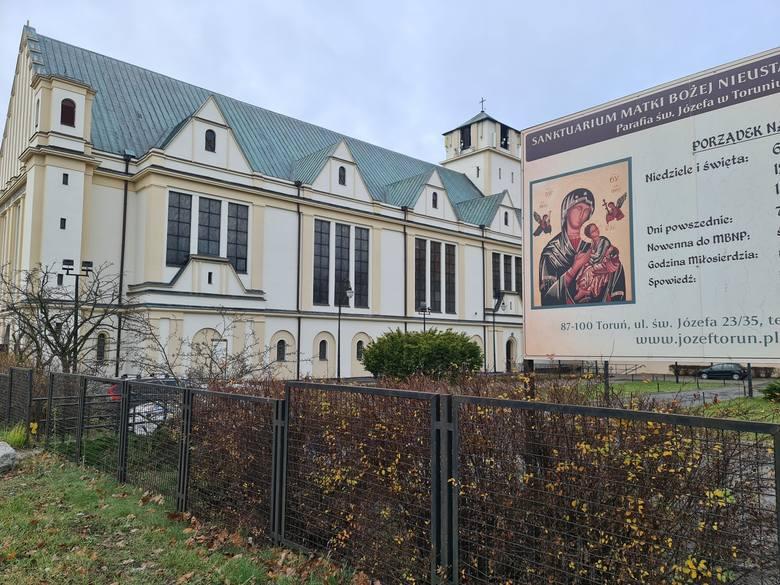 Obok kościoła oraz klasztoru redemptorystów znajduje się także Dom Pielgrzyma. Można w nim zamówić nocleg - np. za 120 zł wraz ze śniadaniem. POLECAMY:Imperium