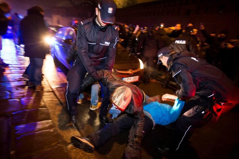 Protestujący blokowali wjazd na Wawel.