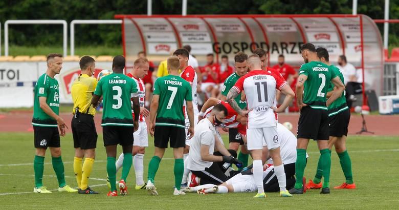 Po meczu 2 ligi Apklan Resovia – Górnik Łęczna wyciągnęliśmy sześć ważnych wniosków dla zespołu z Rzeszowa. Są nimi presja, stałe fragmenty, brak napastnika,