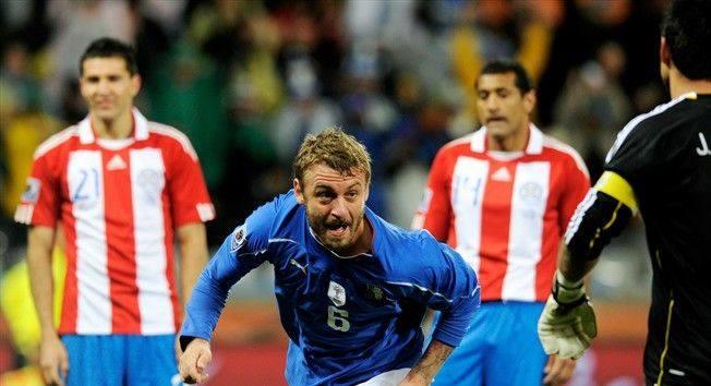 Strata punktów przez Włochów to jak na razie największa niespodzianka mundialu.