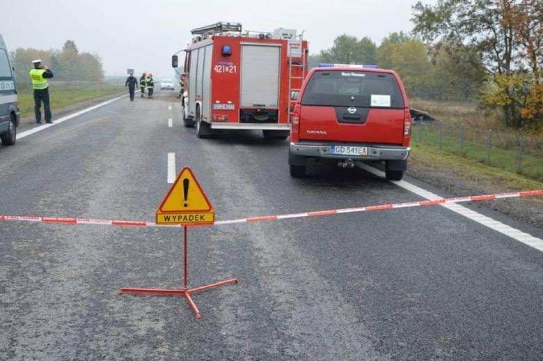 Łodzianin zginął w czołowym zderzeniu z tirem pod Chojnicami