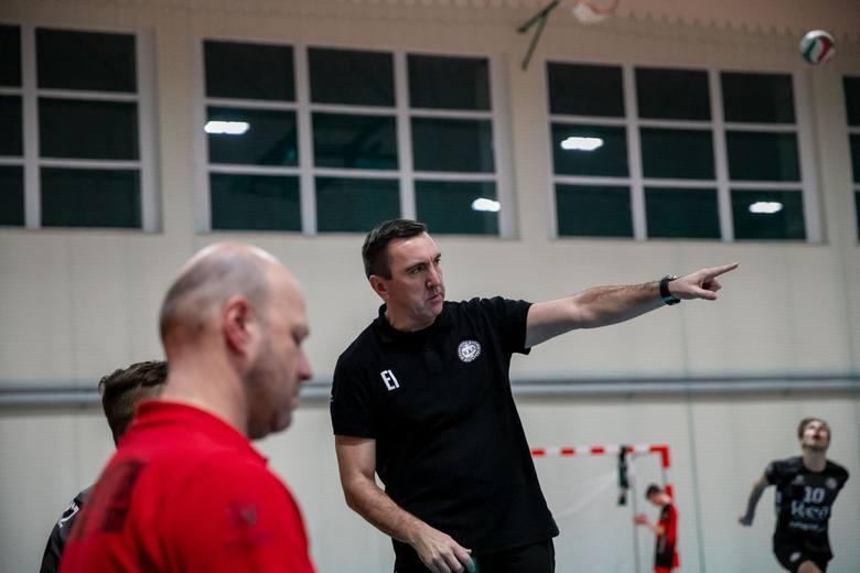 Trener BAS Białystok Eugeniusz Iwaniuk zapowiada, że drużyna w ogóle nie wystartuje w nowym sezonie ligowym.