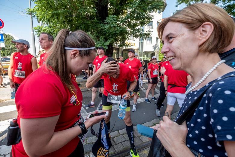Tym razem uczestnicy Biegu Lotto Poznański Czerwiec 56 nie spotkają się na wspólnym starcie