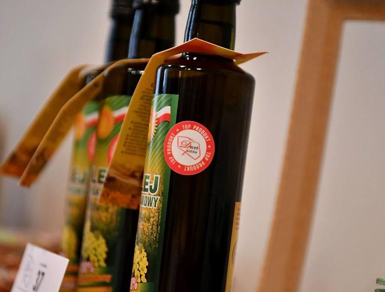 Podczas audytu żywności w Sosnowcu bardzo dobrym produktom przyznano znaki Doceń Polskie