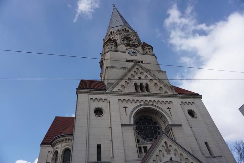 Kościół św. Mateusza przy Piotrkowskiej w Łodzi. Zobacz też inne kościoły od środka TUTAJ