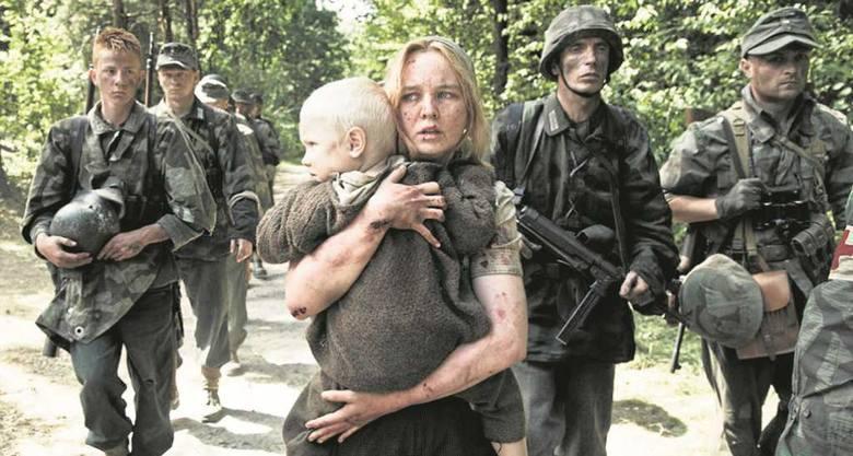 """Dzięki filmowi """"Wołyń"""" wielu Polaków dowie się, że z okrzykiem """"Sława Ukrainie"""" UPA mordowała Polaków"""