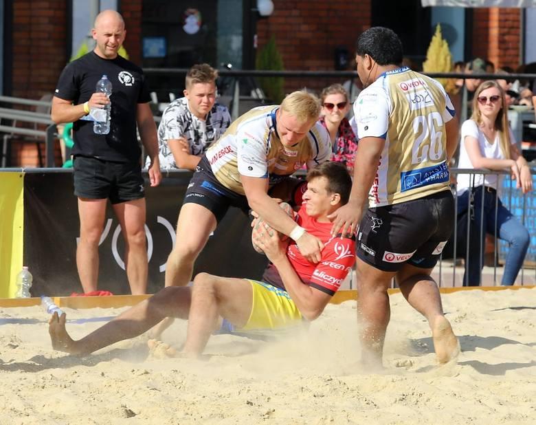 Rugby plażowe. Fajne widowisko i wielkie emocje  [GALERIA ZDJĘĆ]