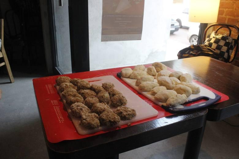 Tradycyjne, łódzkie dania na warsztatach kulinarnych w Off Piotrkowska [ZDJĘCIA]