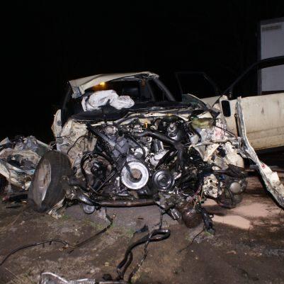 Do tragedii doszlo tuz przed pólnocą w nocy z poniedzialku na wtorek na drodze krajowej nr 19 niedaleko miejscowości Podkamionka.