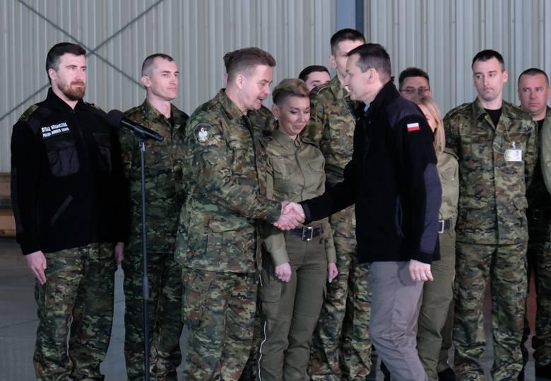 W sobotę przed południem premier Mateusz Morawiecki i minister spraw wewnętrznych i administracji Joachim Brudziński przebywali z wizytą w placówce Straży