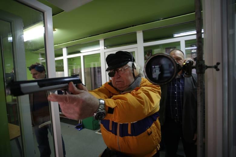 Słupszczanin Kazimierz Sakowicz był w wybornej dyspozycji i wygrał dwie konkurencje: w pistolecie sportowym i rewolwerze
