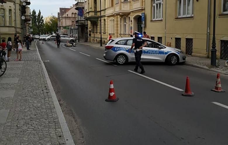 Do wypadku doszło w piątek, 9 sierpnia, na ul. Reja. Kobieta, siedząca za kierownicą opla uderzyła w skuter. Ranny kierowca skutera został przewieziony