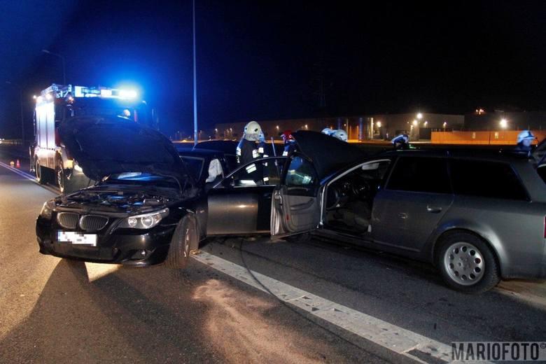 33-letni kierujący samochodem marki BMW, podczas zawracania na obwodnicy Opola niedaleko CH Turawa Park, zajechał drogę prawidłowo jadącemu 31-letniemu