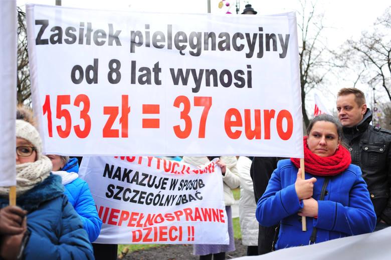 Protest rodziców dzieci niepełnosprawnych pod KPRM