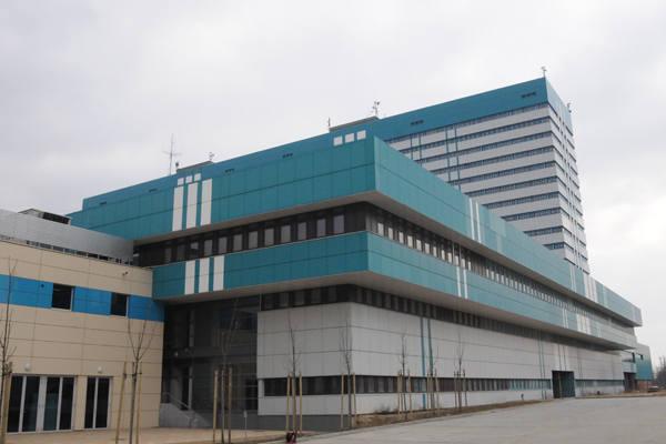 Centrum Dydaktyczne powstało obok budowanego od prawie 40 lat szpitala klinicznego.