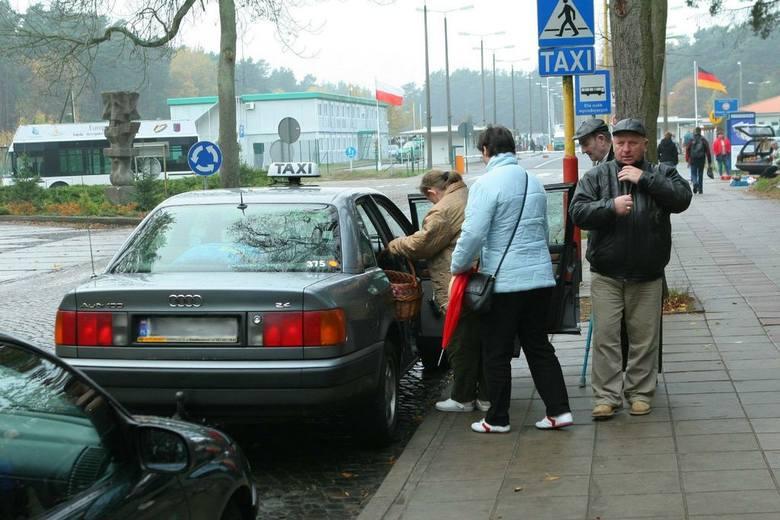 Taksówkarze już dziś liczą straty. Szacują, że około 70 procent klientów z Niemiec zrezygnuje z ich usług i do centrum pojedzie klimatyzowanymi wagonami