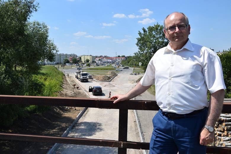 - Budowa ulicy Mostowej zmienią na korzyść tę część naszego miasta - zapewnia burmistrz Krzysztof Obratański