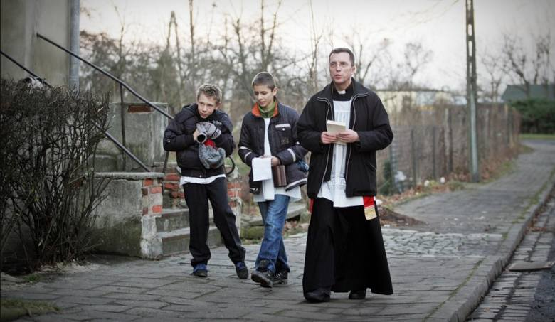 Tradycja kolędowania sięga jeszcze czasów średniowiecznych. Jest to swoista forma bezpośredniego kontaktu duszpasterzy z wiernymi. Jak się przygotować