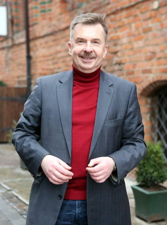 Dariusz Wieczorek, obecnie radny sejmiku, szef Sojuszu Lewicy Demokratycznej w regionie. W latach 1998 - 2001 był wiceprezydentem Szczecina odpowiedzialnym za sprawy gospodarcze. Z wykształcenia inżynier elektryk pracuje w spółce Enea jako doradca zarządu
