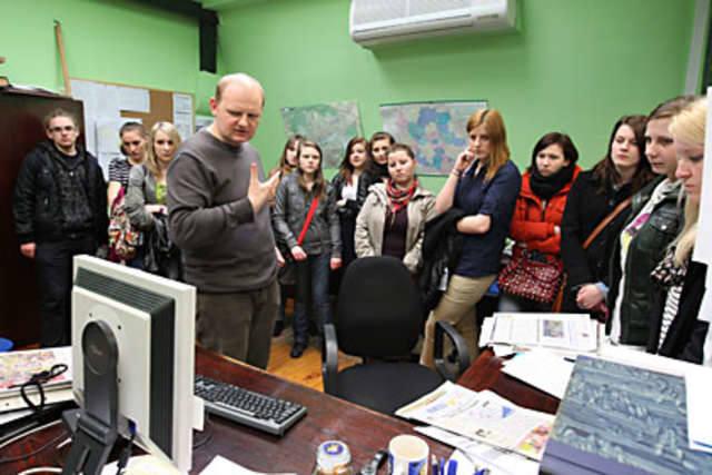 Żurnaliści oraz toruńscy licealiści