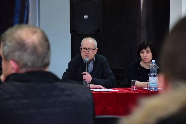 Radni gniewkowskiej opozycji po raz kolejny nie przybyli na sesję. W radzie miejskiej znów nie było kworum. Burmistrz Adam Roszak zapowiada ustępstwa.Sytuacja