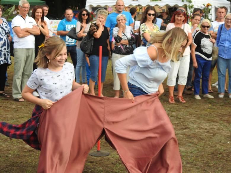 W sobotę, 17 sierpnia, w gminie Zabór odbyły się dożynki. W tym roku gospodarzem imprezy była Tarnawa. To już tradycja, że podczas dożynek odbywa się