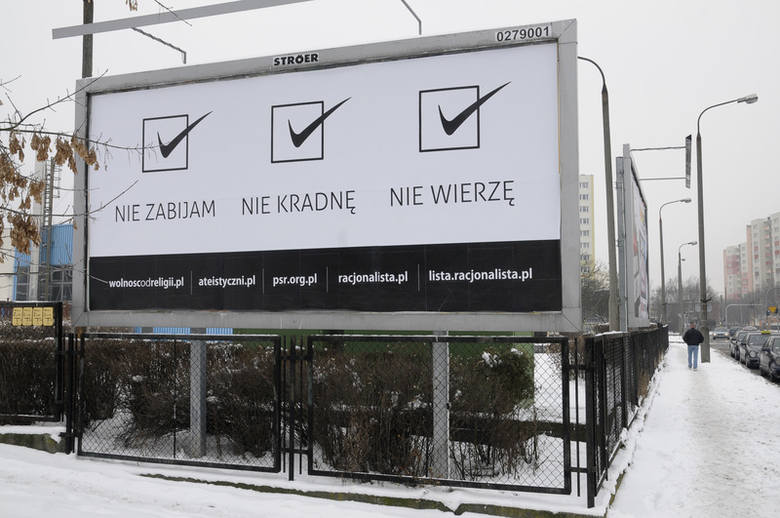 Reklama przy ul. Ujejskiego w Bydgoszczy.