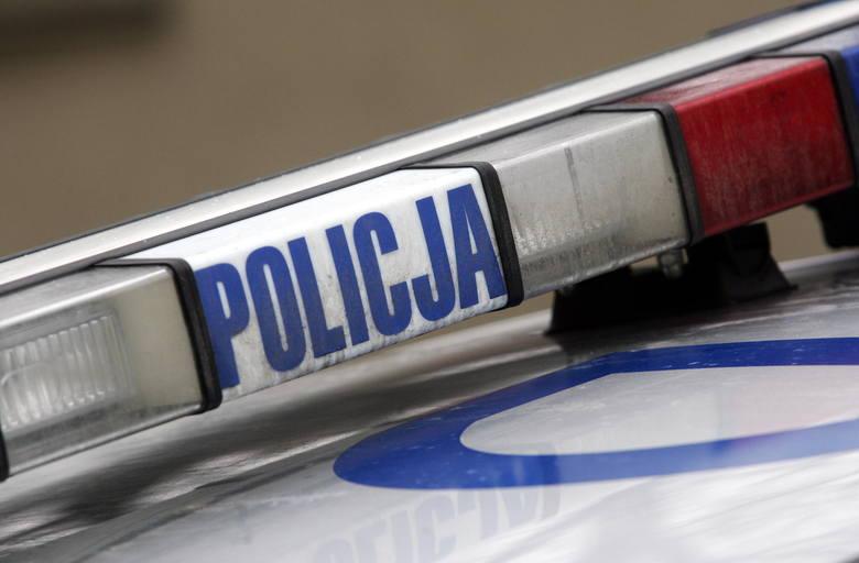 19-letni kierowca opla zginął na miejscu.