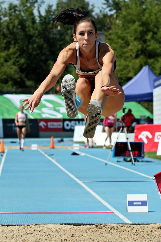 Adrianna Szóstak zdobyła złoty medal MP w trójskoku. Do podium w skoku w dal zabrakło jej natomiast tylko 4 cm.