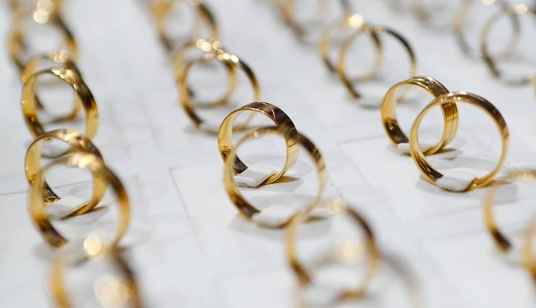 Zobaczcie w jakich województwach mieszkańcy najczęściej decydują się na ślub. Dane pochodzą z Polski w liczbach z końca 2016 roku, są to dane podawane