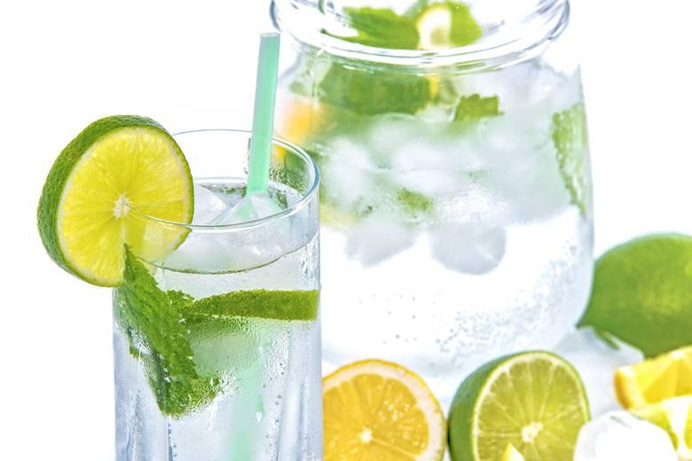 Woda pomoże ci na kaca