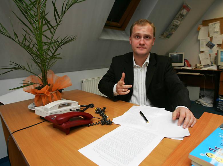 2 listopada 2005. Piotr Krzystek był kandydatem na wojewodę. Na zdjęciu wizyta w naszej redakcji.