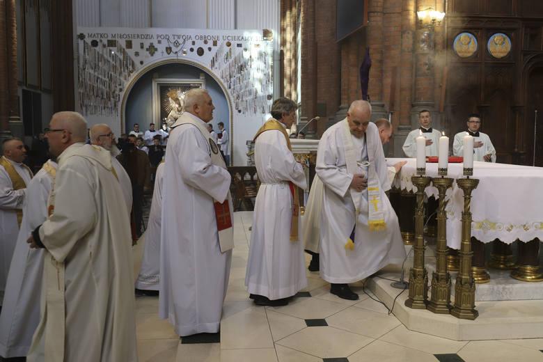 Msza Krzyżma w archikatedrze w Białymstoku