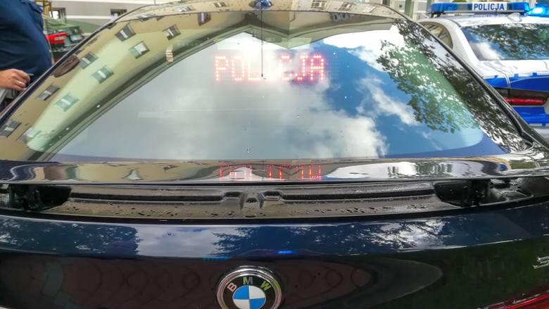 Kobieta w jaguarze przekroczyła prędkość w terenie zabudowanym o 89 km/h! Straciła prawo jazdy