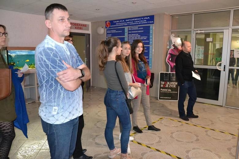 """""""Trzynastka Bohaterów"""" z liceum w Małogoszczu oddała swoją krew. Wśród dawców przewaga dziewcząt!"""