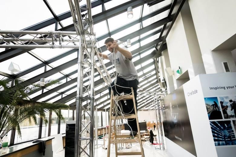 Kilometry kabli, tony sprzętu, dziesiątki pracowników technicznych - zobaczcie, jak w Operze Nova w Bydgoszczy powstaje centrum festiwaloweZanim w sobotę