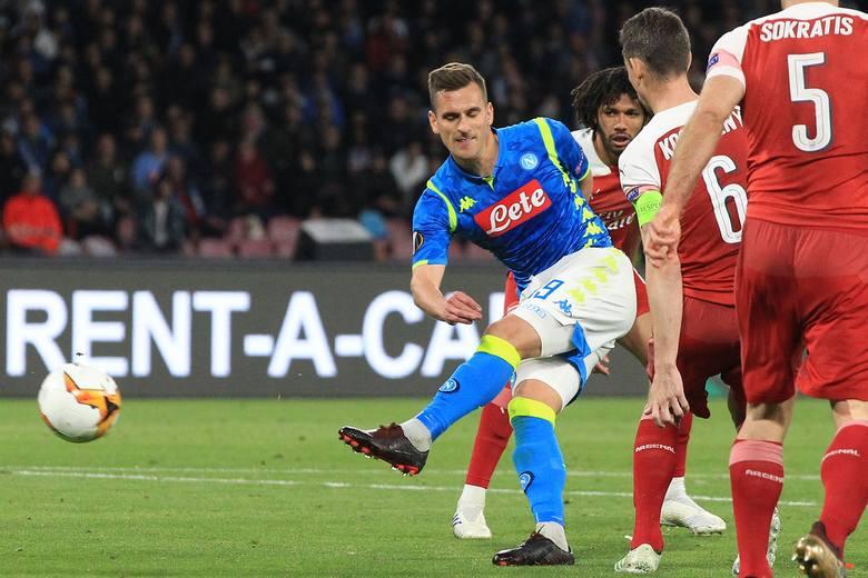 Milik po 33. kolejkach Serie A ma na koncie 17 goli. W klasyfikacji strzelców zajmuje piąte miejsce.