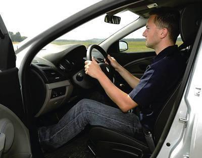 Jak trzymać kierownicę?