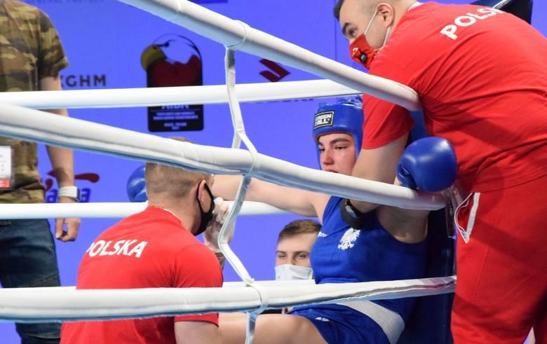 Natalia Kuczewska (49 kg/Mazur Ełk) jako trzecia reprezentantka Polski zapewniła sobie medal na rozgrywanych w Hali Legionów w Kielcach Młodzieżowych