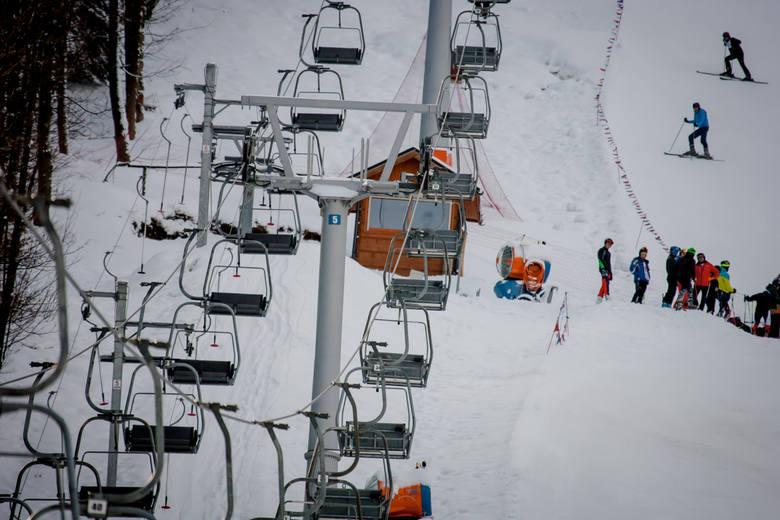 W górach już zima. Można powiedzieć, że zaskoczyła ona narciarzy. Dawno sezon na szusowanie nie zaczynał się tak wcześniej - już w pierwszych dniach