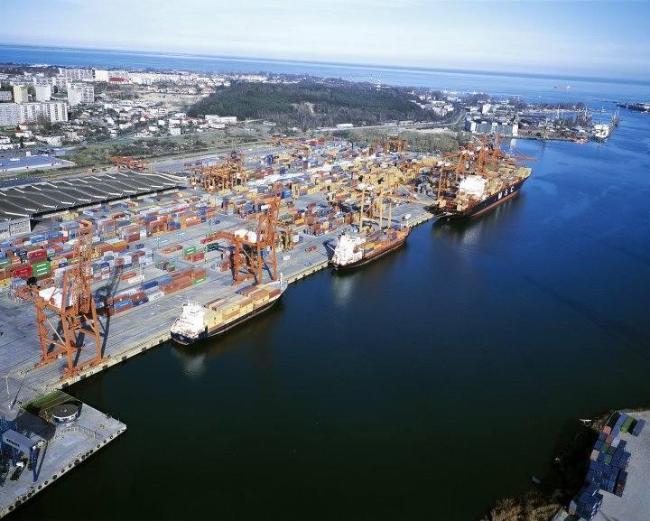 BCT to drugi pod względem przeładunków terminal kontenerowy w Polsce, przed powstaniem DCT w Gdańsku, wieloletni krajowy lider