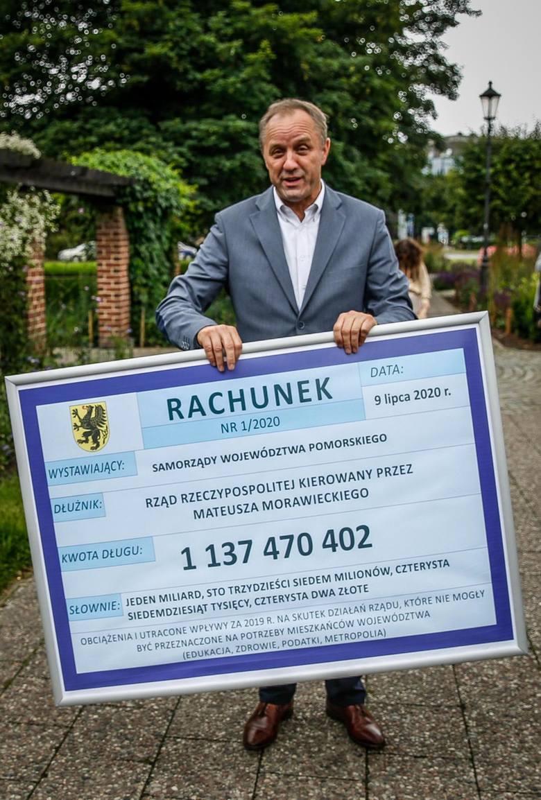 Marszałek Mieczysław Struk wystawia rządowi rachunek