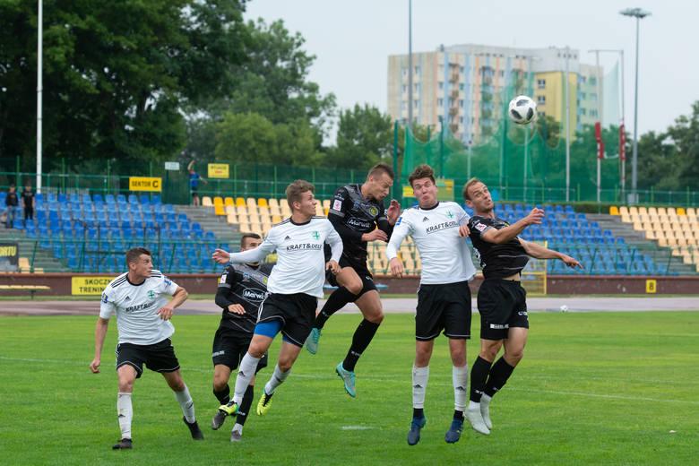 Piłkarze Elany Toruń zwyciężyli 2:0 z KP Starogard Gdański w sobotnim meczu sparingowym. Gole dla torunian strzelili Przemysław Mycan i Michał Bierzało