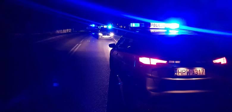 W środę około godz 17:30 na drodze Białogard - Karlino w miejscowości Trzebiele doszło do poważnego wypadku drogowego z udziałem jednego auta osobowego