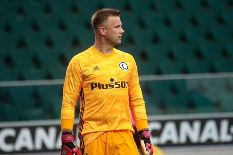 Legia Warszawa awansowała do drugiej rundy kwalifikacji do Ligi Mistrzów. We wtorek 18 sierpnia wygrała u siebie z Linfield FC 1:0. Zwycięską bramkę