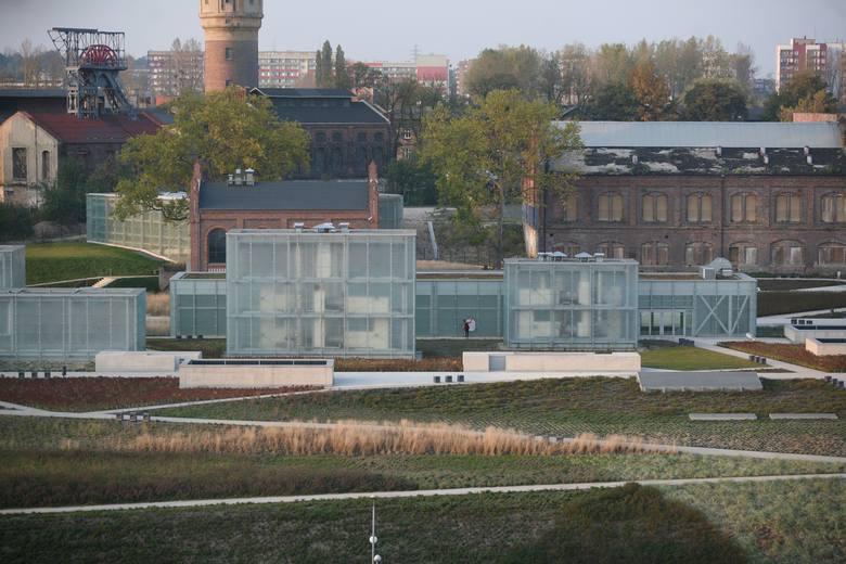Katowice. Muzeum ŚląskieKolejna inwestycja w strefie kultury na działce po kopalni Katowice. Choć już je wybudowano, nadal nie możemy go zwiedzać. Trwa