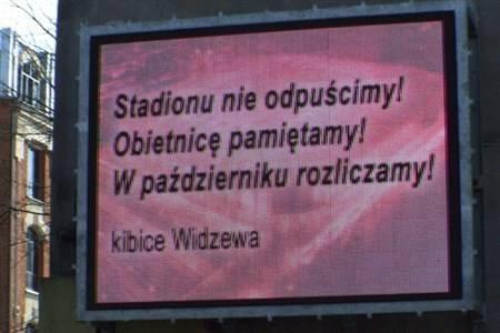 Dialog kibiców z prezydent Łodzi poprzez billboardy (film)
