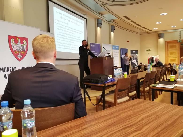 W poznańskiej konferencji bierze udział prawie 100 osób. Głównie są to organizatorzy średnich i małych imprez biegowych