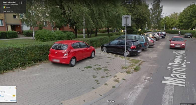 Z wykorzystaniem Google Street View - funkcji Google Maps i Google Earth, można wyruszyć w wirtualną podróż ulicami Tarnobrzega. Na niektórych z milionów